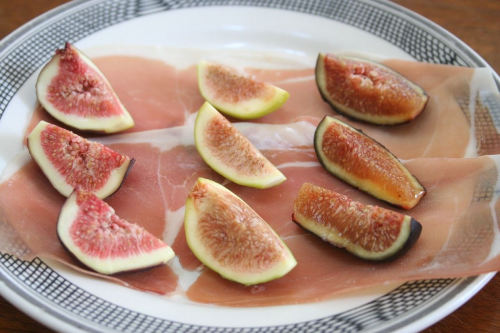 Fresh Figs with Proscuitto