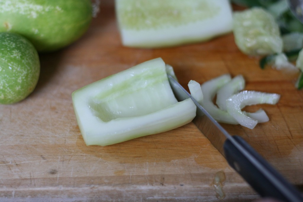 Slicing Cucumber 1/2 Moons